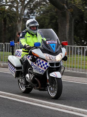 360px-victorian_police_motorcycle2c_geelong2c_aust2c_jjron2c_30-9-2010